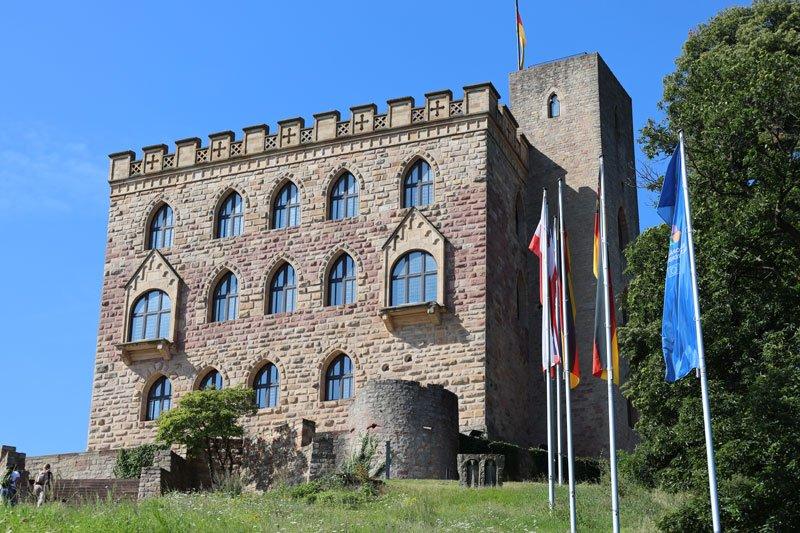 Rentendebatte Hambacher Schloss